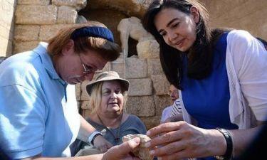 Μποτιλιάρισμα στην Αρχαία Αμφίπολη για το μυστικό του τάφου