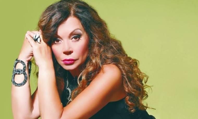 Ελένη Δήμου: «Στην Άννα Νταλάρα χρωστάω ότι δεν ξανά-ίσιωσα τα μαλλιά μου»