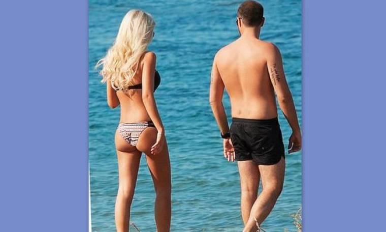 Δείτε τρυφερές στιγμές γνωστού ζευγαριού της ελληνικής  showbiz στην παραλία