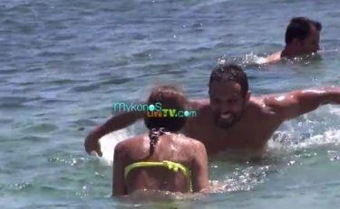 Σάββας Πούμπουρας: Tα παιχνίδια στη θάλασσα με την αγαπημένη του