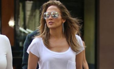 Jennifer Lopez: «Μας πιάνει πανικός που χωρίζουμε και μένουμε μόνες μας »