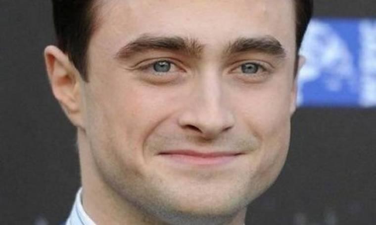 Daniel Radcliffe: «Δεν έπρεπε να μιλήσω για τα προβλήματα που είχα με το αλκοόλ»
