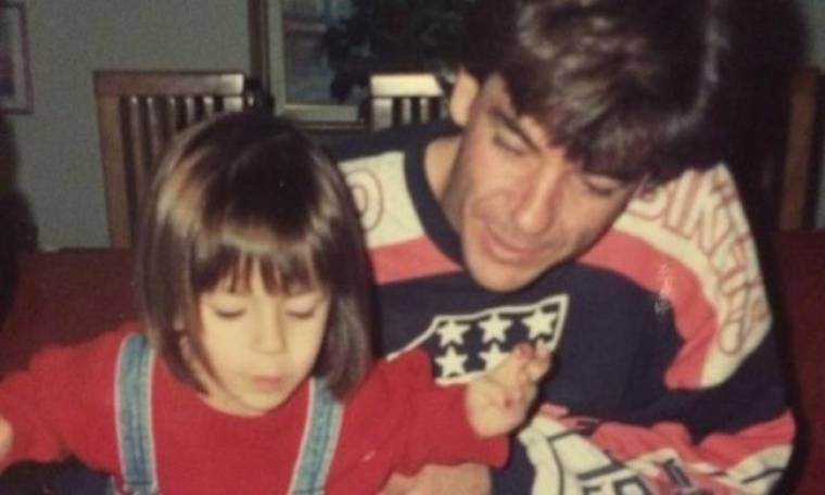 Απίστευτο: Δείτε σήμερα την κόρη του αείμνηστου Γιώργου Μητσιμπόνα (Nassos blog)