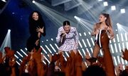 Nicki Minaj: «Έκοψε την ανάσα» με το ανοιχτό φόρεμα της στα VMA