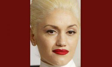 Αγνώριστη η Gwen Stefani  χωρίς το κόκκινο κραγιόν της