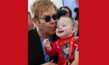 Πώς ο Elton John έσωσε ένα εξάχρονο αγοράκι από την Ουκρανία!