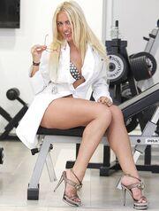 Η «Σιδηρά Κυρία» της Σερβίας είναι… sexy!