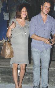 Σε δυο βδομάδες ζευγάρι της ελληνικής  showbiz θα κρατά στην αγκαλιά του το πρώτο του παιδί