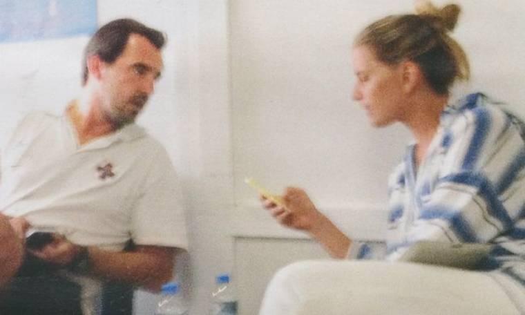 Πρίγκιπας Νικόλαος – Τατιάνα Μπλάτνικ: Τρυφερές στιγμές στο αεροδρόμιο