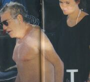 Roberto Cavalli: Ανέμελες στιγμές στην Ελλάδα με το… κορίτσι του