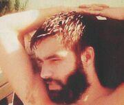 Άρης Πλασκασοβίτης: Ξέγνοιαστες στιγμές στην πατρίδα του