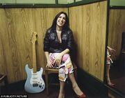 Το συγκλονιστικό βιβλίο της μητέρας της Amy Winehouse και οι αποκαλύψεις!