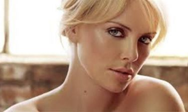 Charlize Theron: «Δεν έχω το τέλειο σώμα»