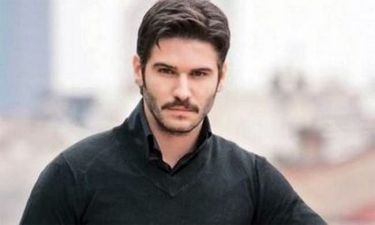 Μόνο εδώ: Η Ελληνίδα που τρέλανε τον Τούρκο ηθοποιό Τολγκαχάν Σαγισμάν (Nassos blog)