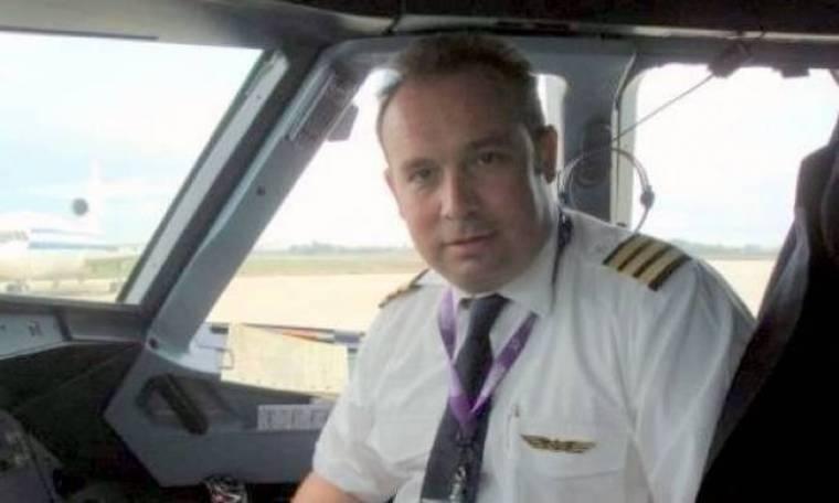 Κώστας Μακεδόνας: Πώς συνδυάζει τα επαγγέλματα του πιλότου και του τραγουδιστή;