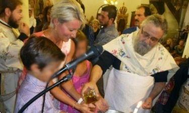 Νονά η Νατάσα Καραμανλή. Βάφτισε ένα αγοράκι