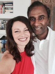 Η τηλεοπτική «νταντά» παντρεύτηκε!