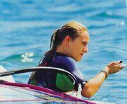 Η Ελεονώρα «δαμάζει» τα κύματα!