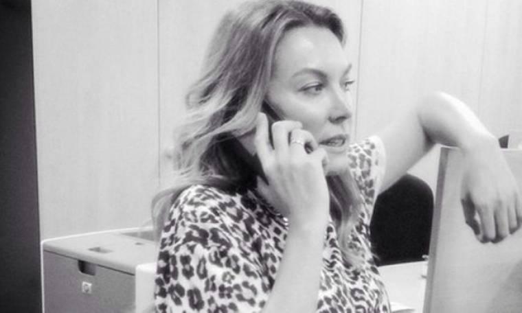 Τατιάνα Στεφανίδου: Κυριακή στο γραφείο για τη προετοιμασία της νέας της εκπομπής