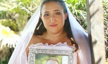 Συγκινητικό: Έχασε τον άνδρα της 52 μέρες πριν το γάμο τους. Δείτε τι έκανε το νυφικό της!