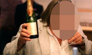 Πασίγνωστος ηθοποιός αποκαλύπτει: «Καταναλώνω έως και 14 μπουκάλια ποτό την ημέρα»