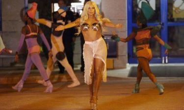 Ως «Αφροδίτη» προσγειώθηκε η Gaga στην Αθήνα