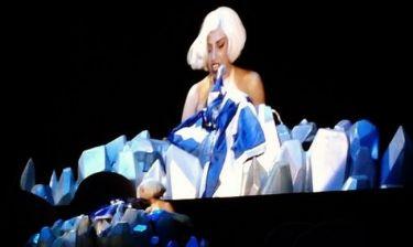 Ο θαυμαστής που έκανε την Gaga να κλάψει επί σκηνής