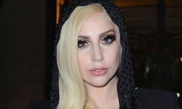 Lady Gaga: Με see through φόρεμα και χωρίς σουτιέν