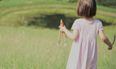 Αυτή η 5χρονη με αυτισμό έχει συγκινήσει όλον τον πλανήτη. Δείτε για ποιο λόγο… (εικόνες)
