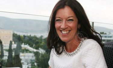 Victoria Hislop: «Αποφάσισα να νοικιάσω ένα σπίτι, βρήκα ένα διαμέρισμα στα Πατήσια»