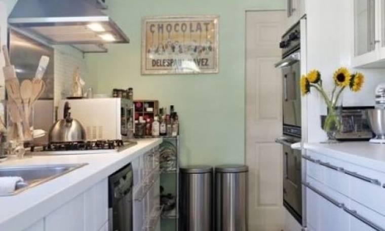 Κάντε την κουζίνα σας να δείχνει μεγαλύτερη με 5 πανέξυπνους τρόπους