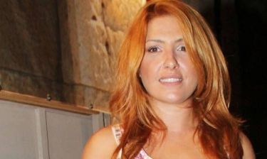 Δείτε τη νέα αλλαγή της Έλενας Παπαρίζου στο look της!