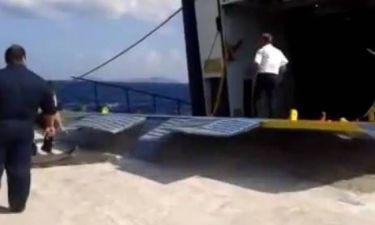 Αλόννησος: «Σαρώνει» το βίντεο-Ο πιο τρελός τρόπος επιβίβασης αυτοκίνητων σε πλοίο