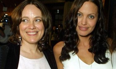 Η συγκινητική εξομολόγηση της  Jolie: «Νιώθω όλη την ώρα πως είμαι σε επαφή με την μητέρα μου»