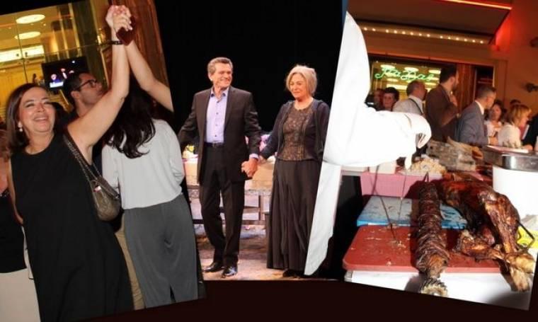 Ο Μαργαρίτης στο θεατρικό σανίδι, οι σούβλες με τα αρνιά και ο χορός της Κούρκουλα έξω από το θέατρο