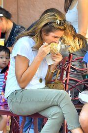 Cindy Crawford: Και όμως… τρώει και εκείνη γλυκά!