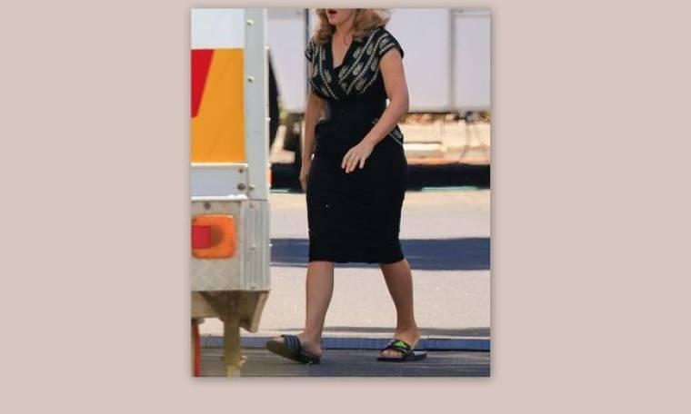 Τα παραπανήσια κιλά και η πλαστική παντόφλα της…