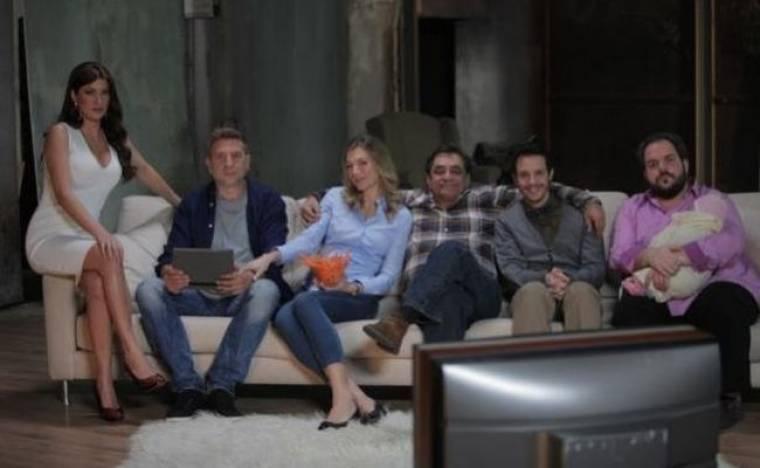 Μοντέρνα Οικογένεια: Τα γενέθλια του Φίλιππου και το δώρο της Φαίης