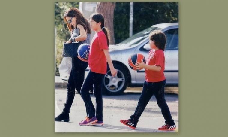 Βανδή: Πήγε τα παιδιά της να παίξουν μπάσκετ