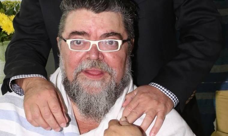 Σταμάτης Κραουνάκης: «Δεν με ενδιαφέρει ο καθρέφτης, παρά μόνο όταν μου χαμογελά»
