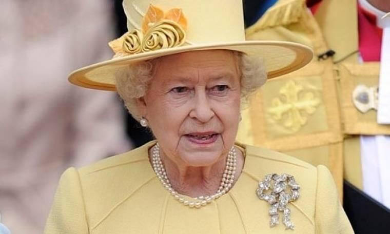 To πρώτο μήνυμα στο twitter της βασίλισσας Ελισάβετ