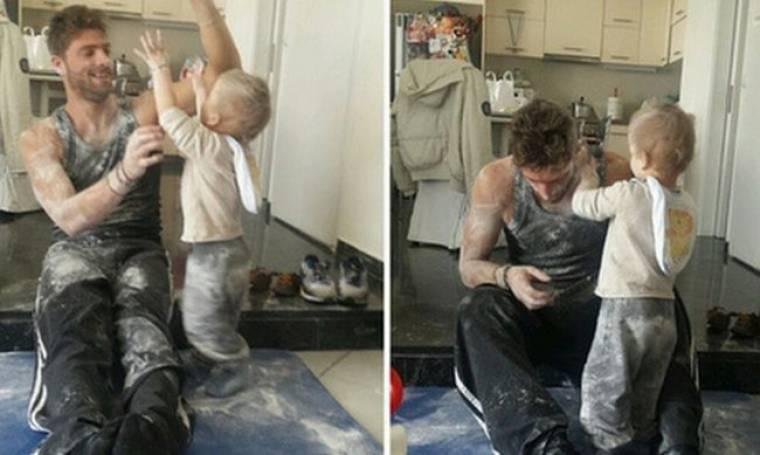 Γιώργος Μανίκας: Παίζοντας «πόλεμο» με πούδρα με τον γιο του