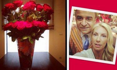 Έλενα Τσαβαλιά: «Μου έφερε λουλούδια χωρίς λόγο! Μήπως να ανησυχώ;»