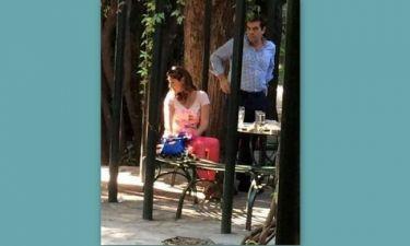 Αλέξης Τσίπρας: Ρομαντική βόλτα με την σύντροφό του