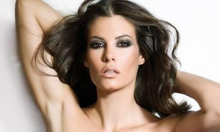 Μαρία Κορινθίου: «Δεν έχω πέσει ποτέ θύμα στον έρωτα»