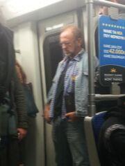 Πασίγνωστος Έλληνας ηθοποιός μετακινείται με το Metro