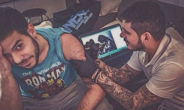 Χτυπάει νέο τατουάζ!