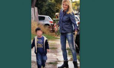 Φαίη Σκορδά: Με τον μικρό Γιάννη σε μαθήματα ντραμς