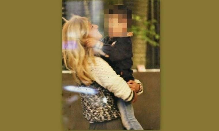 Φαίη Σκορδά: Παιχνίδια με τον γιο της