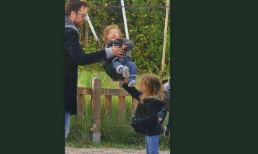 Γιώργος Λιανός: Στην παιδική χαρά με την οικογένειά του